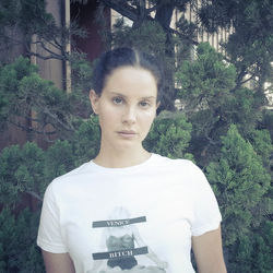 Song Of The Day 3 934 How To Disappear Lana Del Rey Meet Me In Montauk